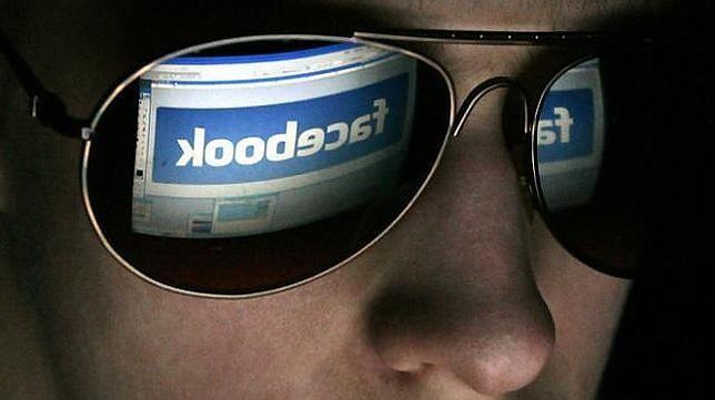 Ver las fotos, comentarios, likes de una persona que no es tu amiga de Facebook