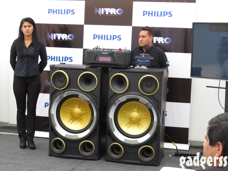 Linio lanza en el per los philips nitro ntrx900 un imponente equipo de sonido con funciones de - Equipo musica casa ...