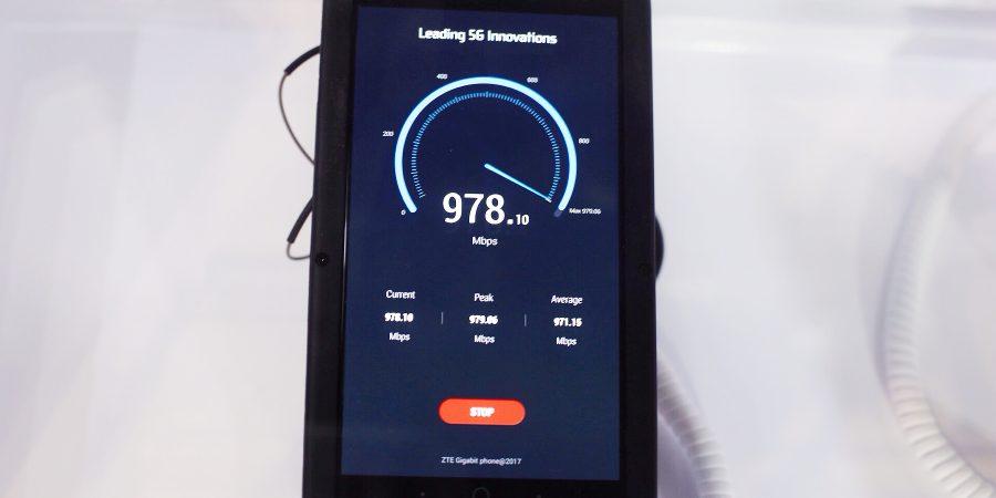 """ZTE presenta un smartphone de """"5úper generación"""" con velocidades de descarga que alcanzan hasta 1Gbps"""