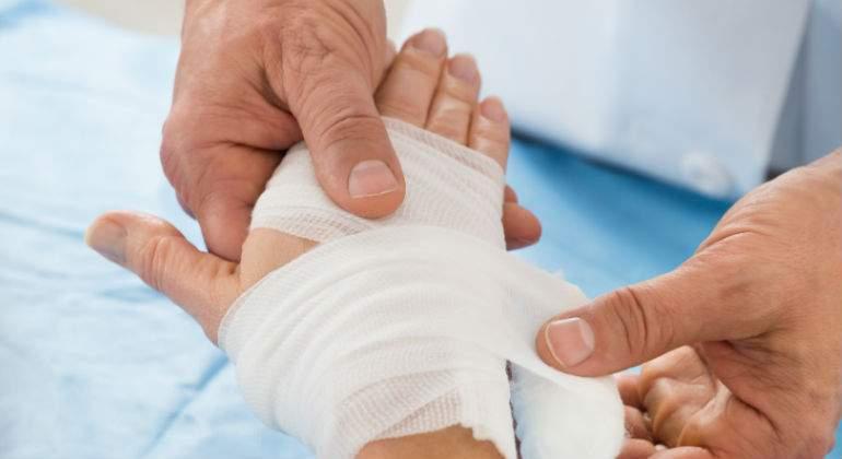 Inglaterra desarrolla vendas con nanotecnología + 5G para monitorizar las heridas en tiempo real