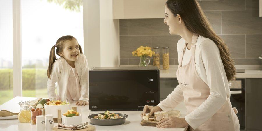 LG introduce al mercado peruano nuevos hornos microondas con cocción más rápida y saludable