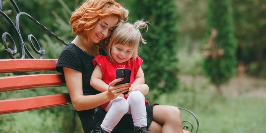 Moto: Consejos para saber escoger el Smartphone Ideal para Mamá