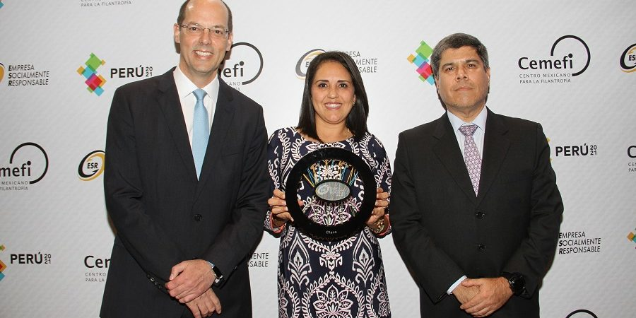 CLARO recibe el Distintivo Empresa Socialmente Responsable de Perú 2021