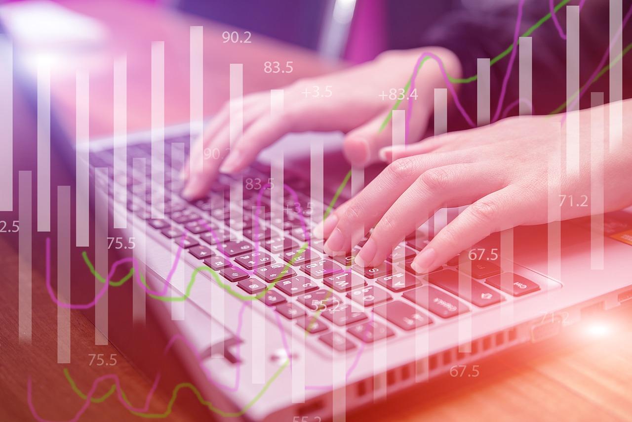 Diferencias entre prestarse dinero por internet y recurrir al banco tradicional